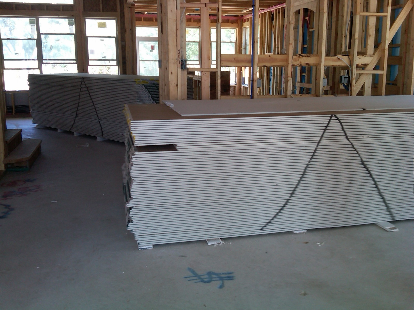 Sheetrock is in, ready for Insulation